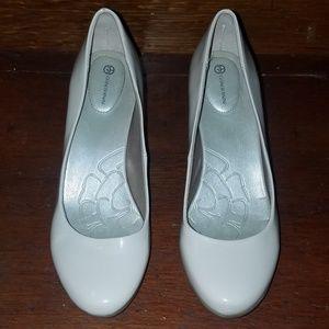 Giani Bernini Women's size 8m high heels
